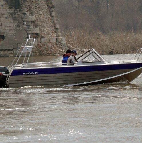 Алюминиевая моторная лодка